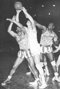 Minneapolis Lakers vs. Harlem Globetrotters. Foto: Reprodução