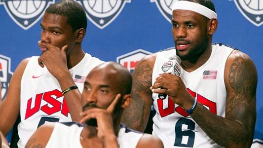 Lebron James ajudou a aumentar a polêmica criada por Kobe Bryant sobre qual time dos EUA era melhor: o de 1992 ou o de 2012?