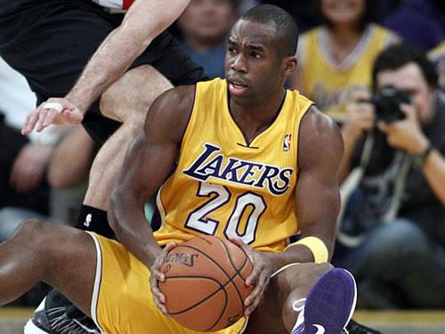 Jodie Meeks é a única dúvida dos Lakers para o jogo 2 em San Antonio.