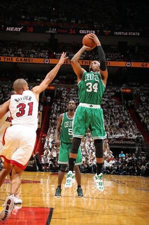 """Paul Pierce foi mais uma vez """"clutch"""" para os Celtics nesta pós-temporada"""